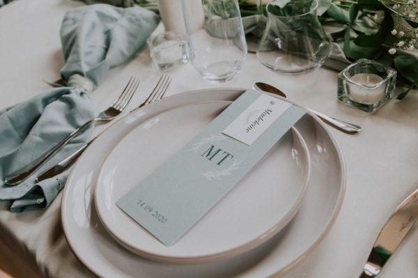 Table papeterie menu mariage Green Chic vert végétal épuré mariage végétal blanc