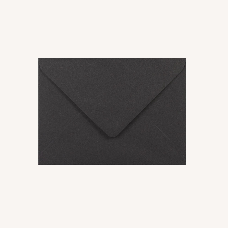 Enveloppe mariage faire-part papeterie épuré noir blanc neutre unisexe élégant