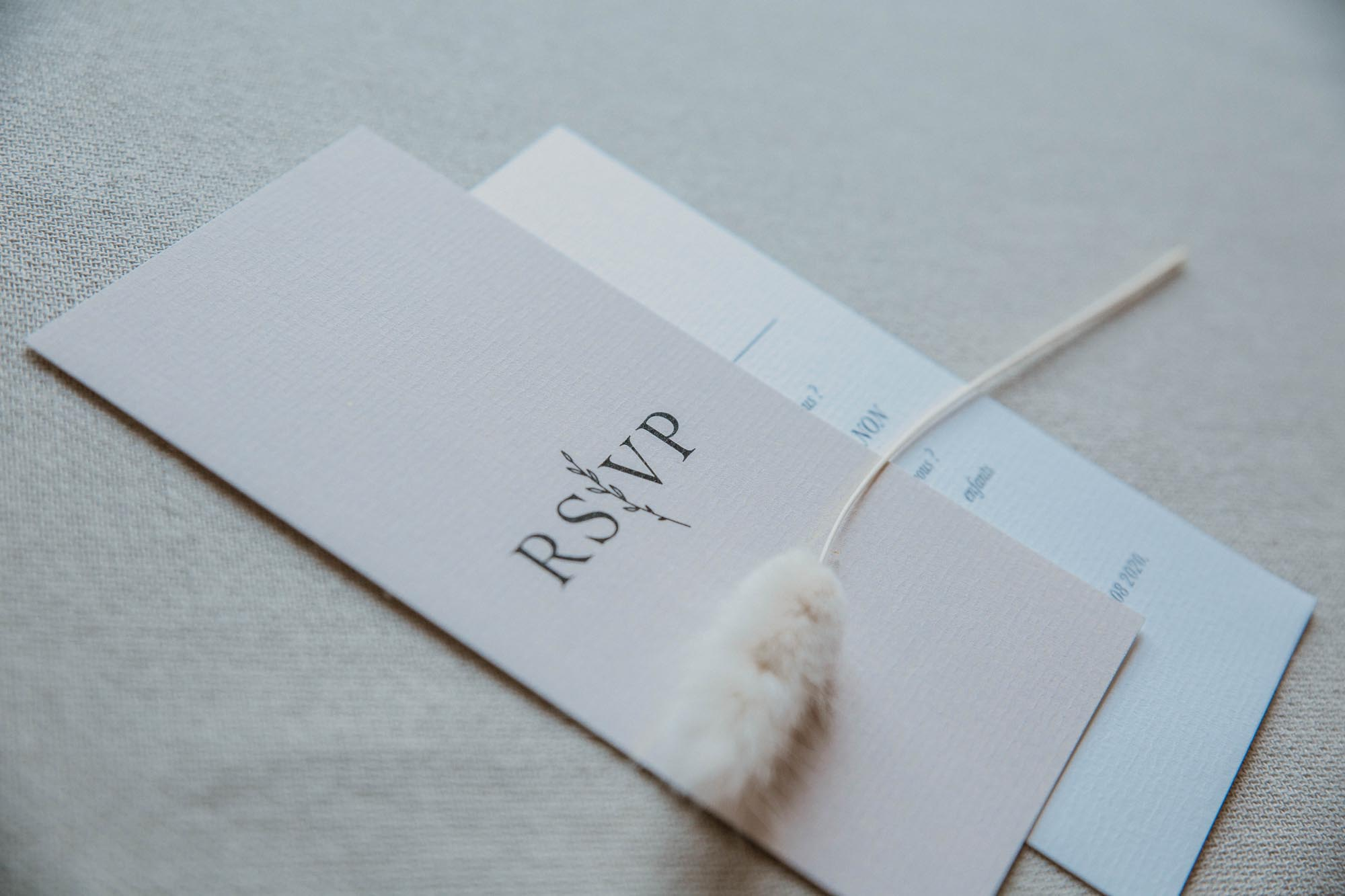 RSVP mariage nude rose gris beige élégant sobre