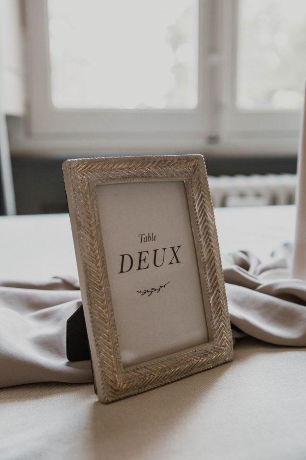 Nom table mariage nude rose gris beige élégant sobre