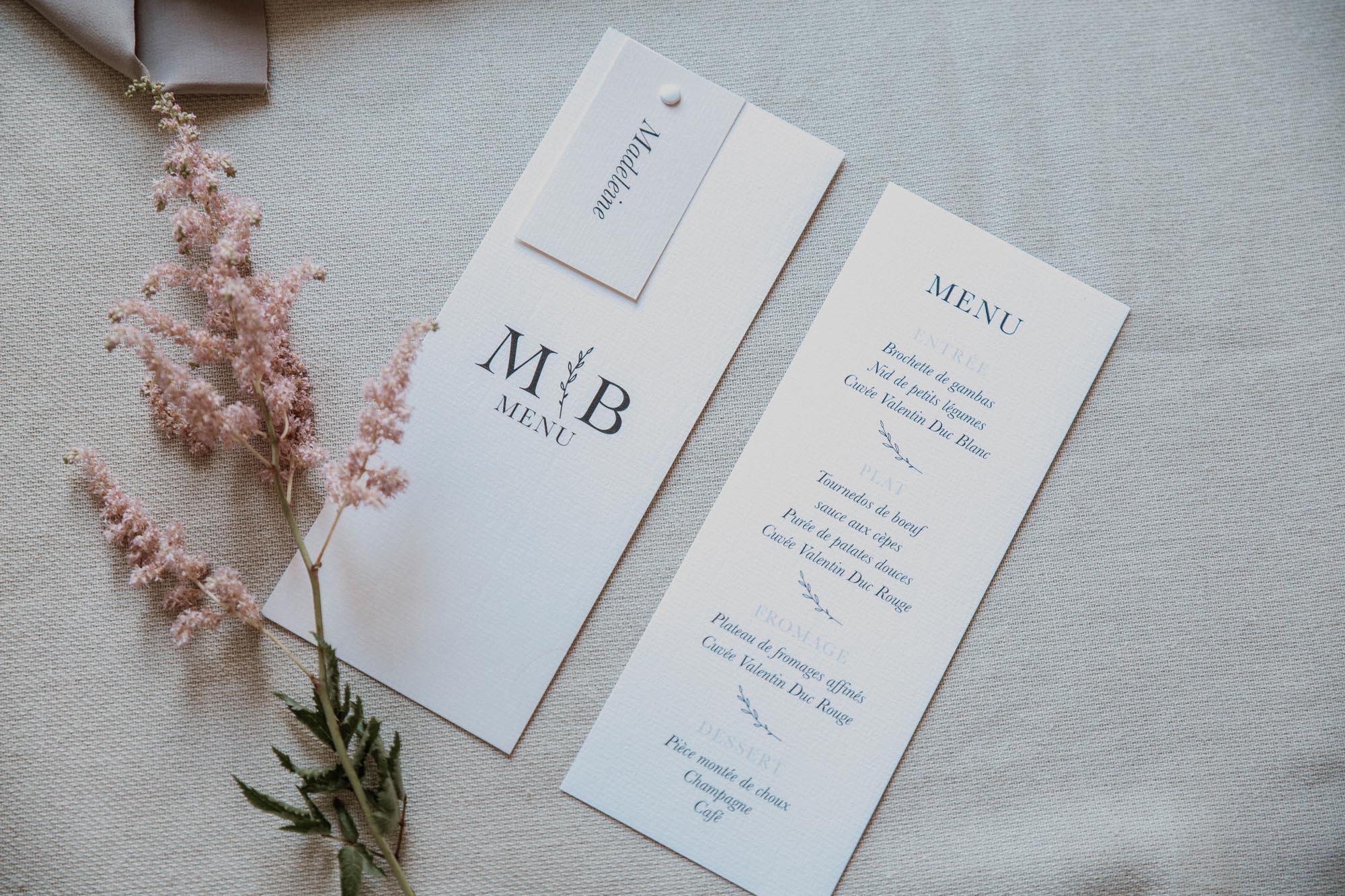 Menu individuel table mariage nude rose gris beige élégant sobre
