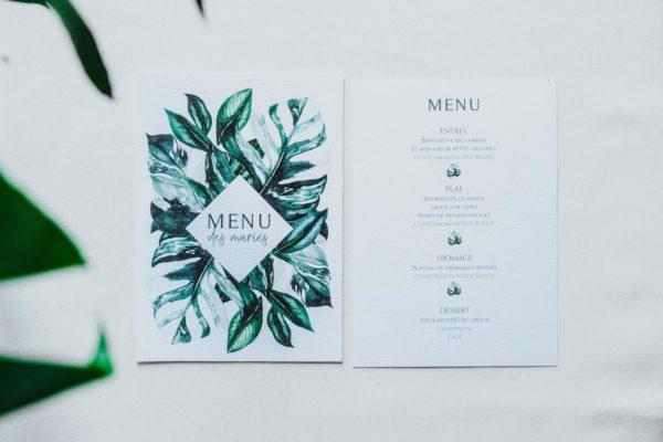 Menu mariage tropique feuillage vert et blanc à l'aquarelle