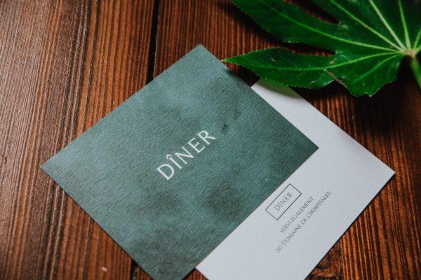 Carton dîner mariage tropique feuillage vert et blanc