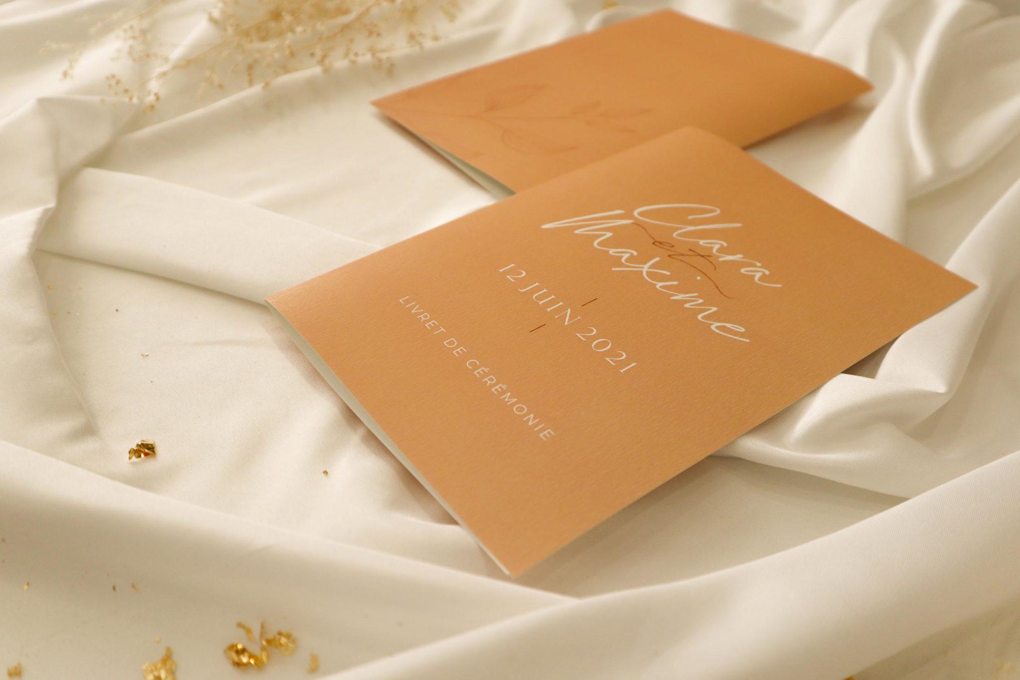 Livret de cérémonie mariage terre de sienne terracotta marron nature boheme beige or