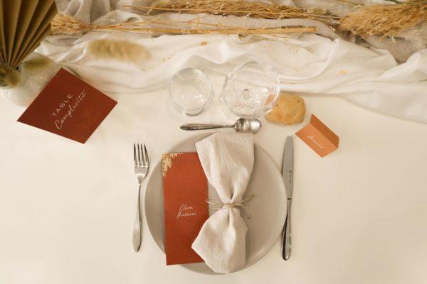 Marque-place menu individuel nom de table mariage terre de sienne terracotta marron nature boheme beige or