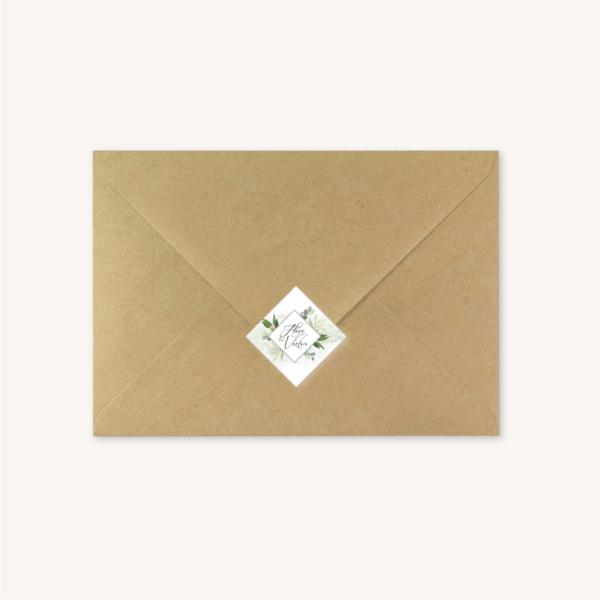Enveloppe kraft étiquette adhésive personnalisée mariage végétal feuille eucalyptus