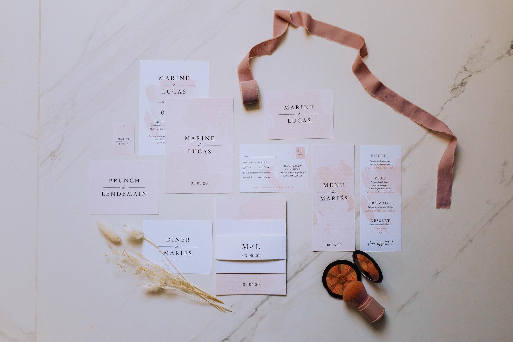 Collection mariage blush couleurs rose, rose poudré, rose clair, blanc, mariage thèmes doux, romantique