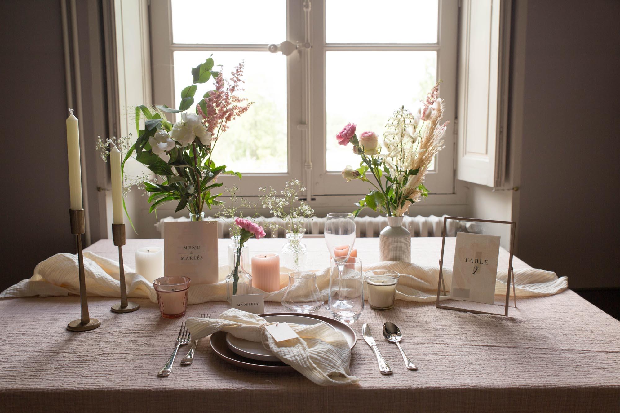 Papeterie table mariage collection Blush couleurs rose, rose poudré, rose clair, blanc, mariage thèmes doux, romantique