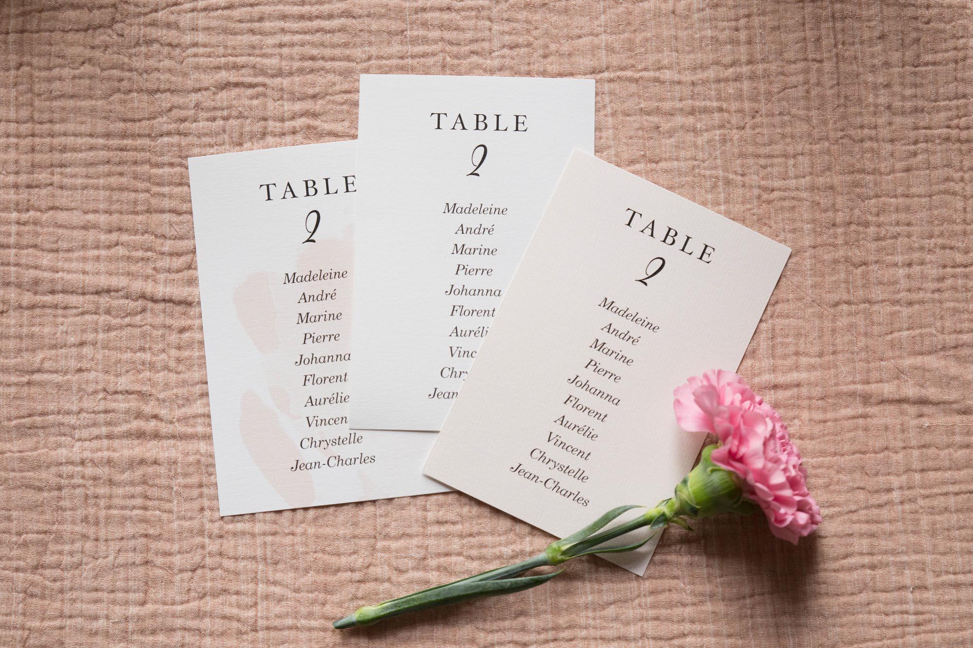 Plan de table invités mariage collection Blush couleurs rose, rose poudré, rose clair, blanc, mariage thèmes doux, romantique
